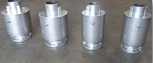 Externally Pressurized Expansion Joints For Extreme Axial Travel